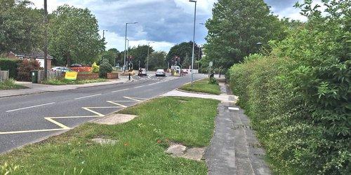 A418 Churchll Avenue junction.jpg