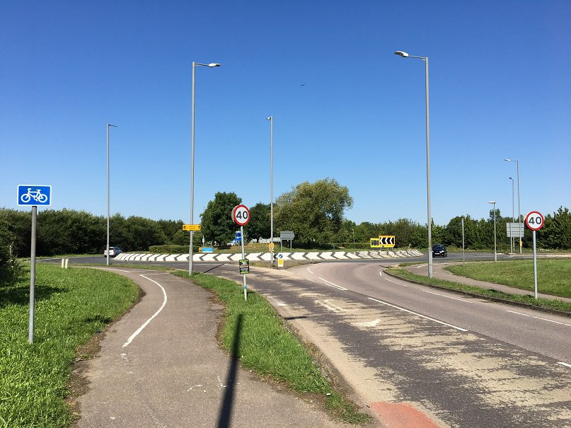 Woodlands roundabout A41